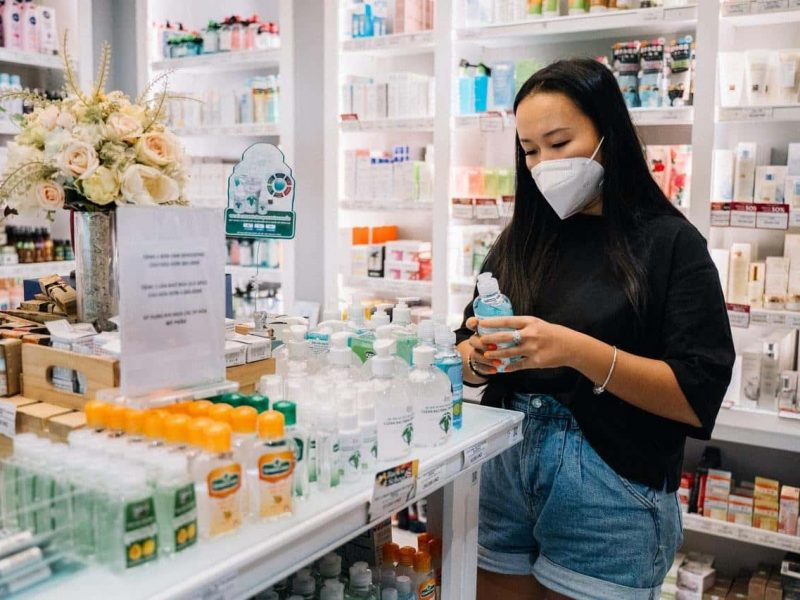 BECOME A PHARMACIST: STEPS TO TAKE FROM HIGH SCHOOL