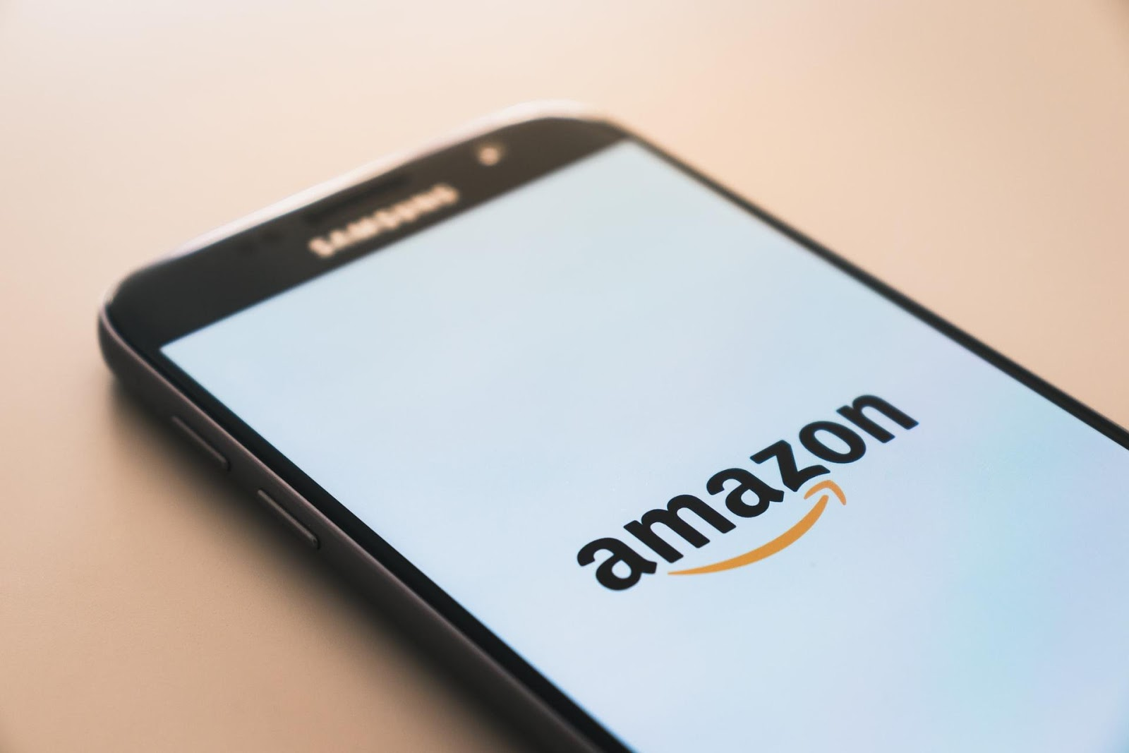 how-graphic-designers-can-make-cash-with-merch-by-amazon